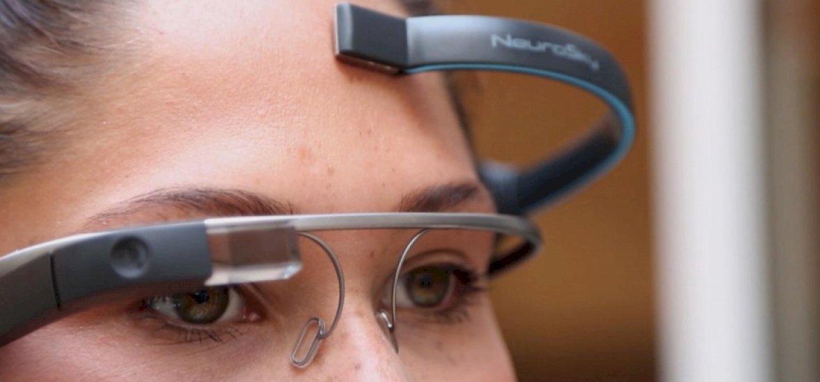 Jön a gondolattal irányítható Google Glass