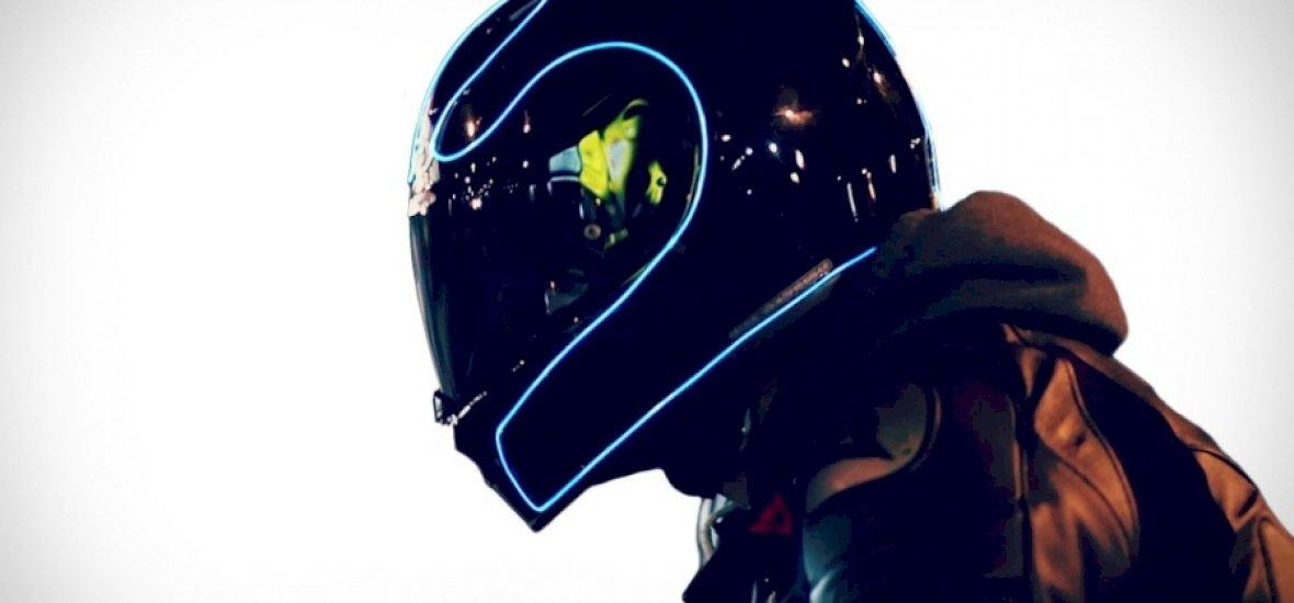 Nézzen úgy ki a bukód, mintha a Tron-filmekben motoroznál