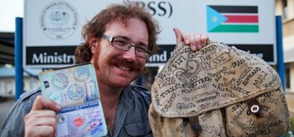 A világ első embere, aki repülő nélkül utazta körbe a Földet