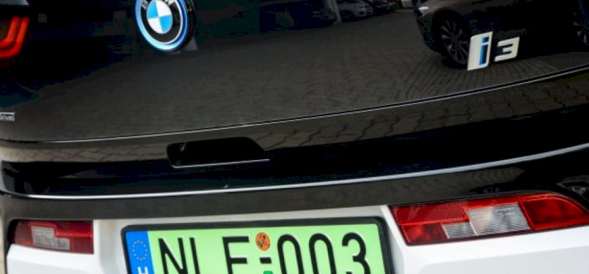 Egész Budapesten ingyen parkolhat, ha zöld rendszáma van