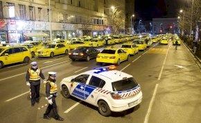 Megkezdődött a taxisok vs. Uber háború