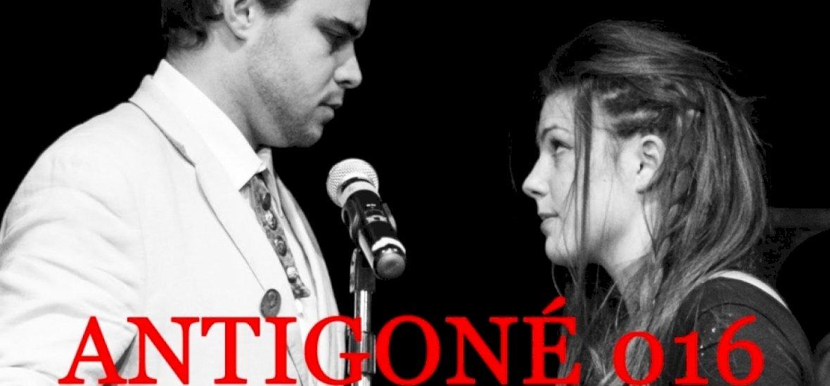 Egy színházi néző megpróbálta megmenteni Antigonét