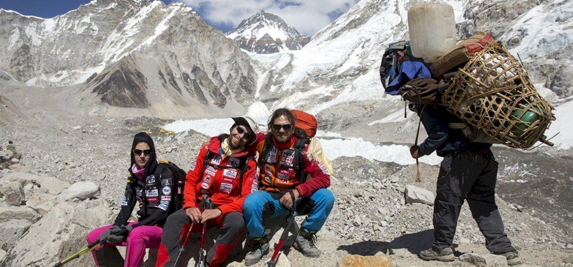 Jön a Mount Everest utolsó felvonása Klein Dávidék számára