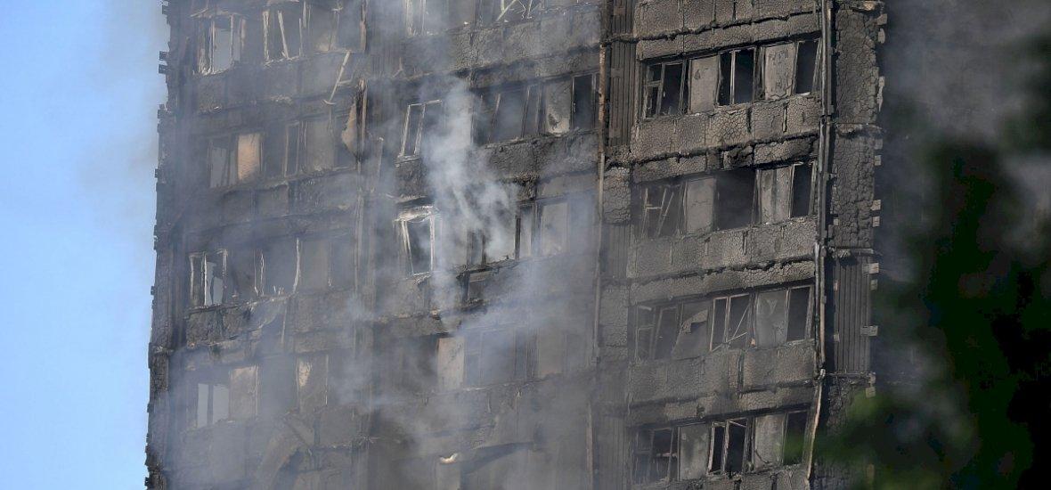 Egy zárlatos hűtőszekrény okozta a londoni toronyház leégését