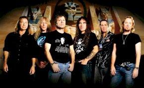 Live albumot dob ki az Iron Maiden