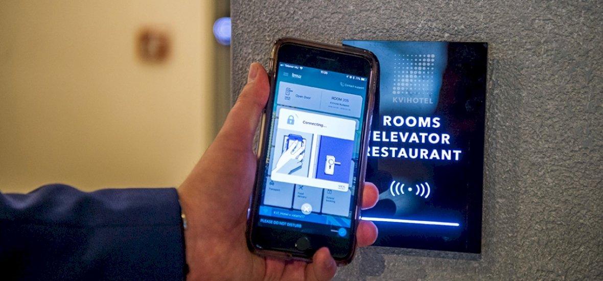 Budapesten nyílt meg az első okostelefonnal vezérelhető hotel