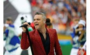 """Robbie Williams elmagyarázta moszkvai """"produkcióját"""""""