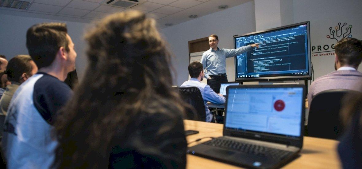 Nem is gondolnánk, hogy kik akarják megtanulni a programozást