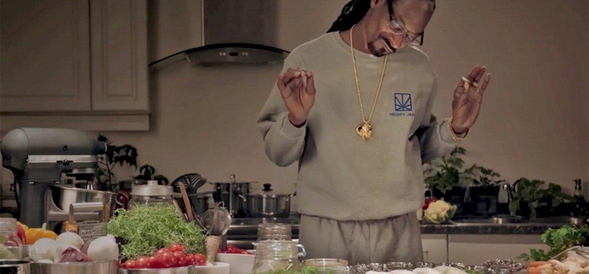 Snoop Dogg szakácskönyvet írt, amiből csak egy valami hiányzik