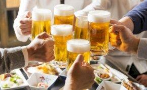 A sör inkább pezsgő lehetett, de még inkább az sem
