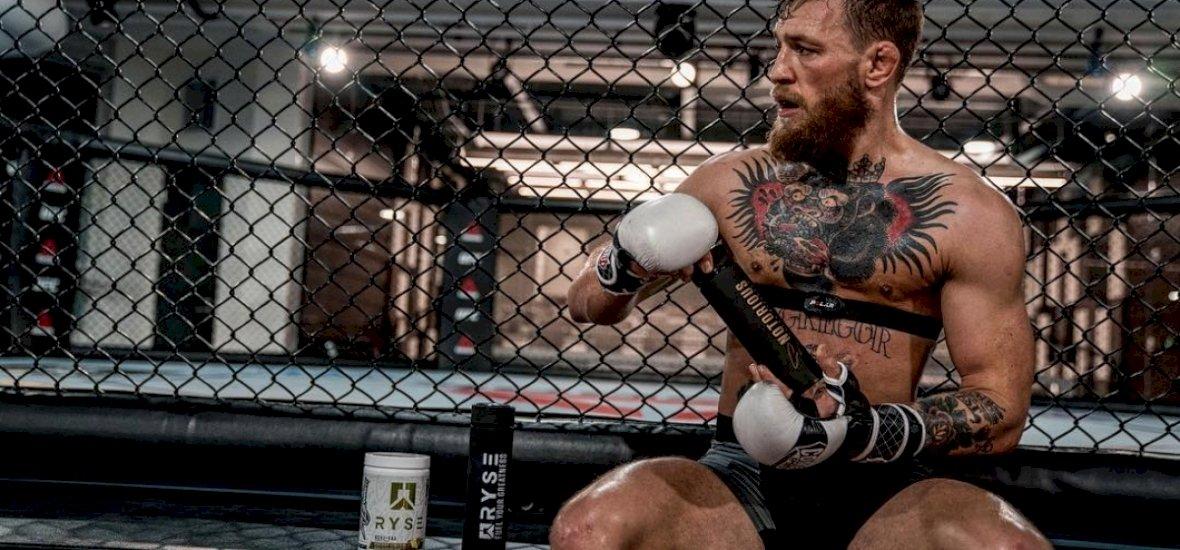 McGregor megmutatta monokliját, és üzent Nurmagomedovnak