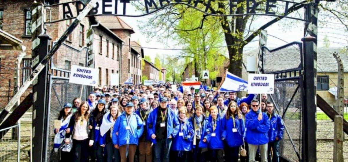 A Chelsea Auschwitzba küldi renitens drukkereit okulni
