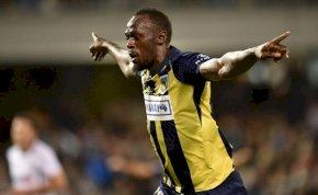 Usain Bolt elkezdte szórni a gólokat