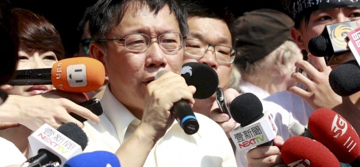 A polgármester úr nekiállt rappelni