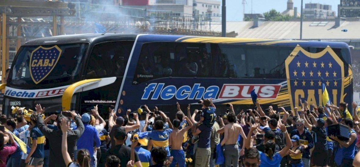 Megtámadták a Boca buszát, több játékos megsérült