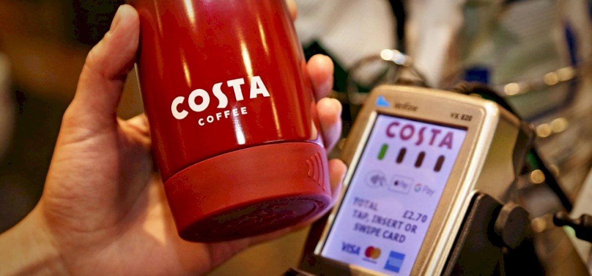 Újrahasznosítható kávésbögre, amellyel fizetni is lehet