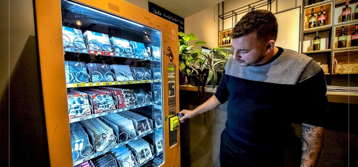 Vennél CD-t automatából?
