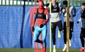 A Pókember ellátogatott a Leicester City edzésére