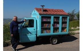 Háromkerekű könyvtárával járja a kis falvakat egy olasz tanár