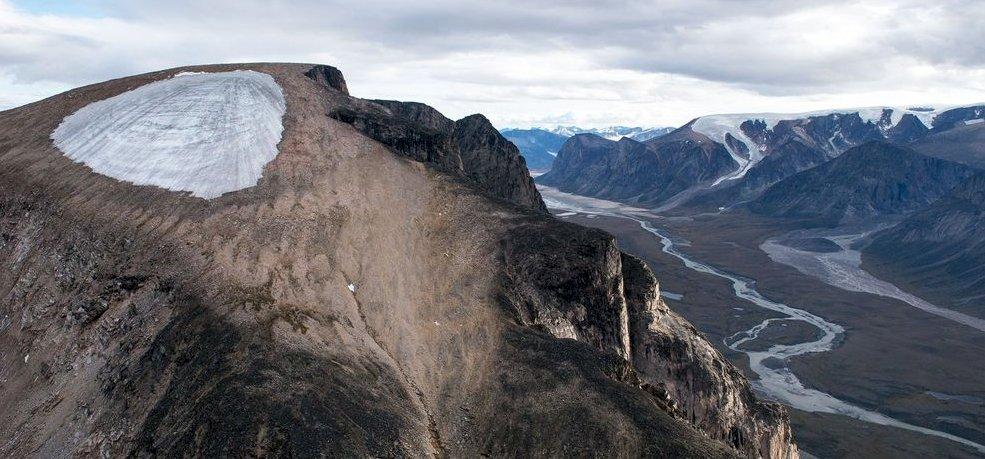 A jégtakaró alól kiszabadulva megmutatja soha nem látott képét a Baffin-sziget