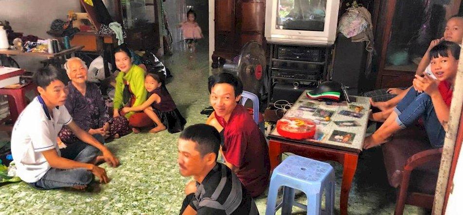 """Zsolt utazása: beszélgetés a vietnámi falu """"nagy öregjeivel"""""""