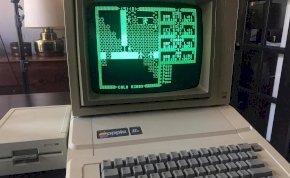 Véletlenül egy működő 30 éves Apple gépet találtak a padláson