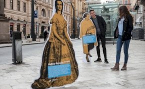 Elfeledett hősnők tűntek fel Budapest csomópontjain