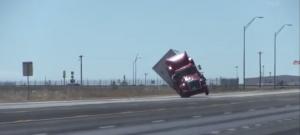 Amikor a kamiont papírsárkányként kapja fel a szél