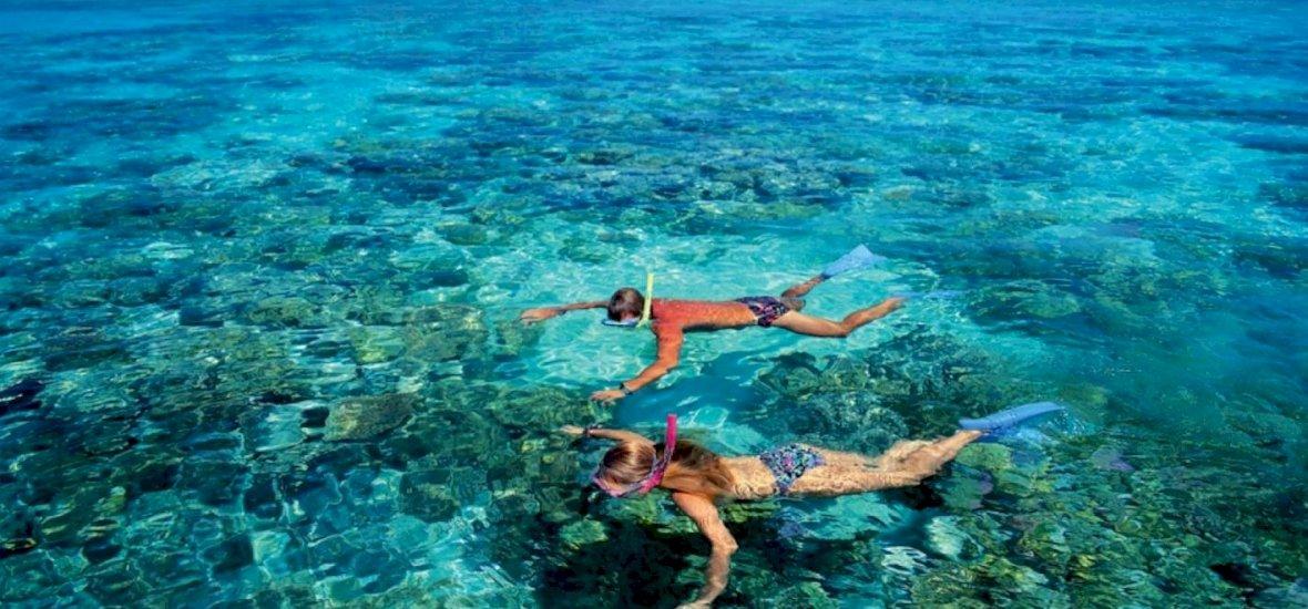 Összefogtak a kerekesszékes magyar lányért, így láthatja a tengert