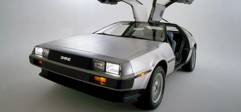 George Clooney készít filmet a DeLorean feltalálójáról