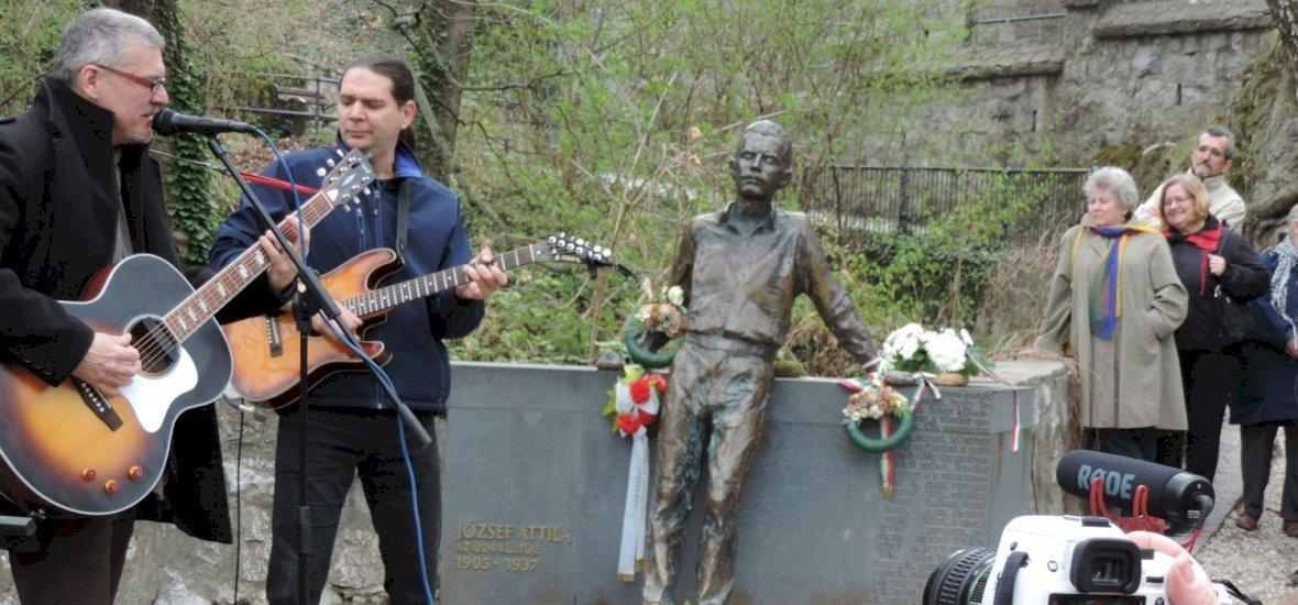 Lillafüreden ünnepelték a magyar lírát a miskolciak