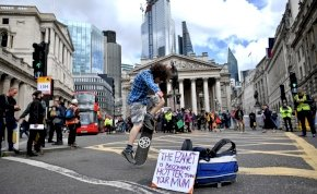 Nagy-Britannia-szerte kihirdették a klímaügyi vészhelyzetet