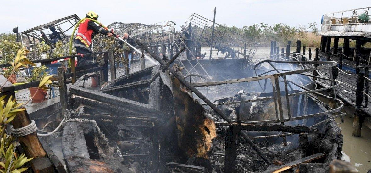Videókon is félelmetes a fertő-tavi hajókat elpusztító tűz