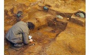 Felbecsühetetlen leletekre bukkantak az Aldi és a kocsma között