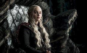 Ilyen az, amikor Daenerys Targaryen, a sárkányok anyja belepirul egy bókba