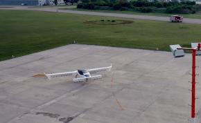 Levegőbe emelkedett az első elektromos repülő taxi – videó