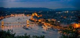 A Dunából bejelentette: belezuhant a hídról Budapest közepén