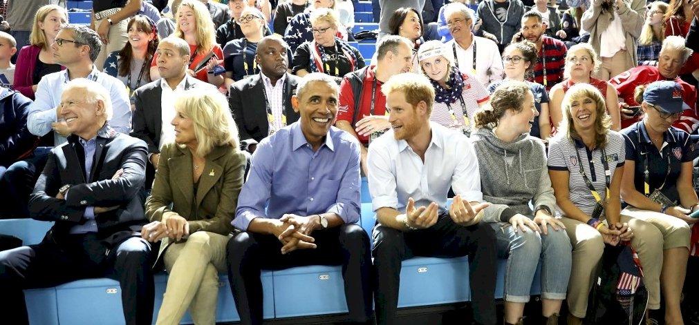 Megint megy a műsor: Obama és a felesége csinálja gyerekeknek