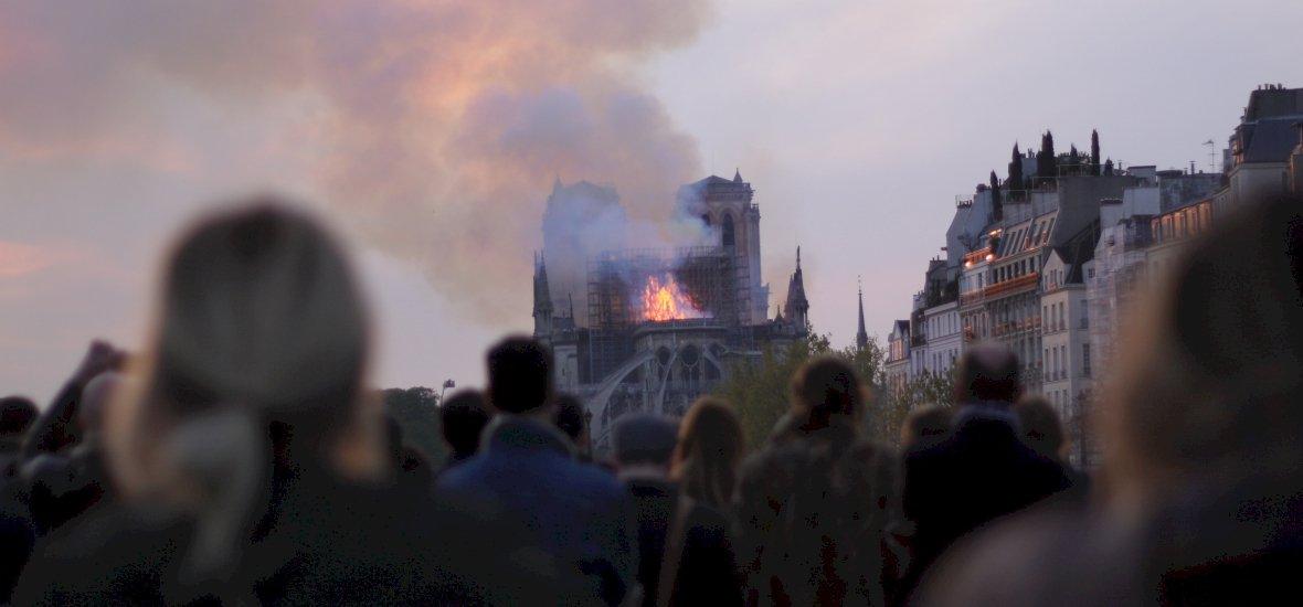 Eredeti pompájában építik újjá a Notre Dame-t