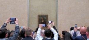 A Louvre alkalmazottai se szó, se beszéd, kisétáltak a munkahelyükről