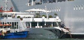 Velencében tengerjáró elől menekültek, többen vízbe estek – videók