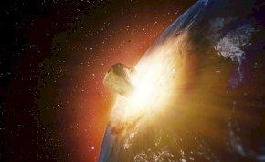 Az égen tündökölt, majd becsapódott az asztalra a meteorit – videó