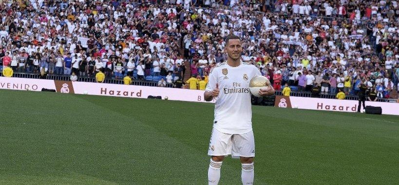 """Egy """"lelkes"""" szurkoló ellopta a show-t Hazard bemutatásán"""