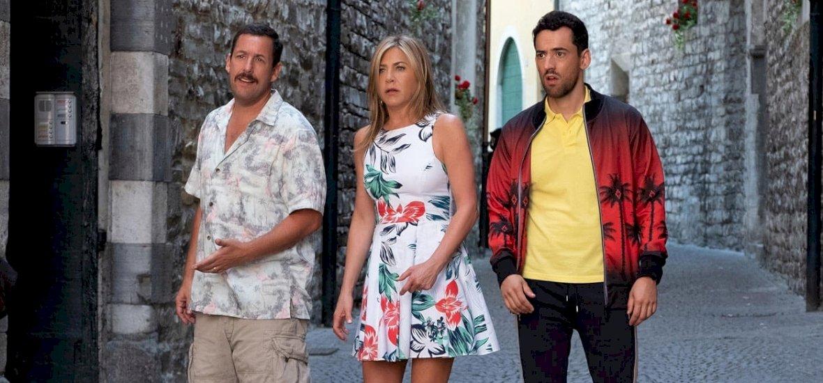 Mindenki Adam Sandlert és Jennifer Anistont néz