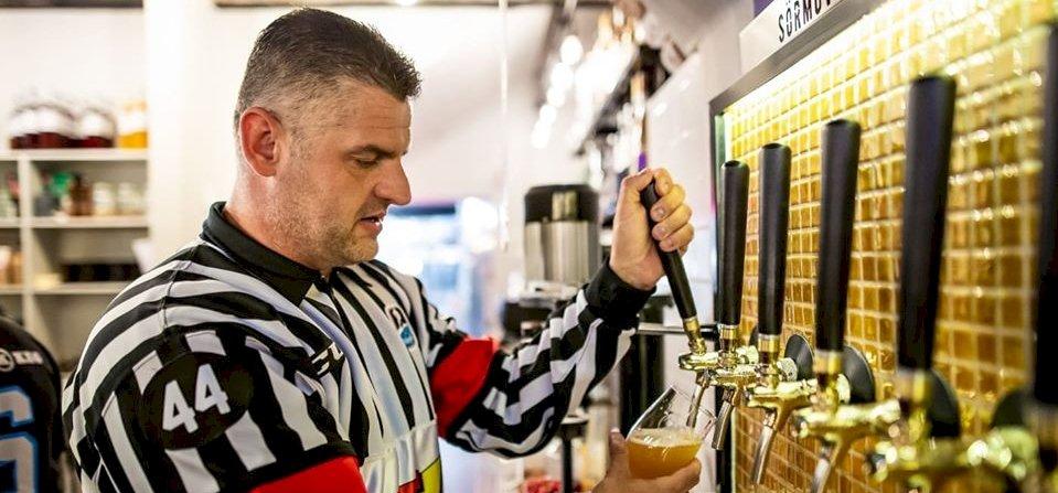 Az megvan, hogy itthon már lehet kapni hokis sört?