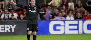 Akkora gólt rúgott a korábbi Manchester United-sztár, hogy még most is tapsolnak