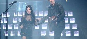 Lebukott Camila Cabello és Shawn Mendes – videó