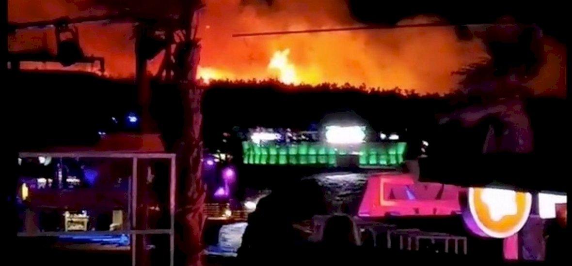 Ezrével mentették ki az embereket a tűz elől a horvát tengerparton