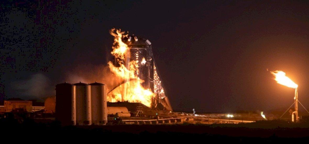 A SpaceX tesztje nagyon nem jött össze, lángba borult minden – videó
