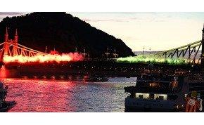 UEFA=Mafia – piro akció a Szabadság-hídon a Honvéd-ultráktól